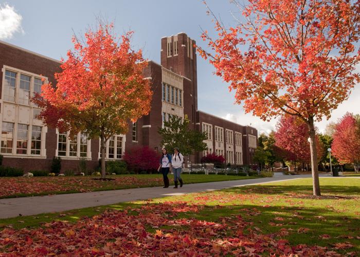 Fall Campus Scenes, students, cq