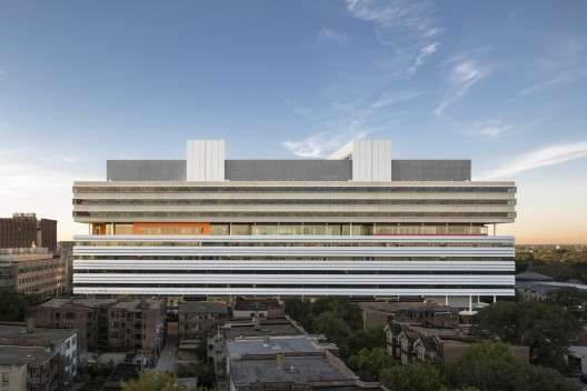 511e721cb3fc4b99a700003a_center-for-care-and-discovery-university-of-chicago-medicine-rafael-vi-oly-architects_north_elevation_small_10-12-528x352