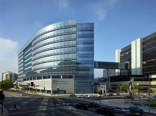 538fae36c07a805cea0002d7_2014-los-angeles-architectural-awards-announced_heathcare_award-_advanced_health_sciences_pavilion__cedars-sinai_medical_cente-530x397