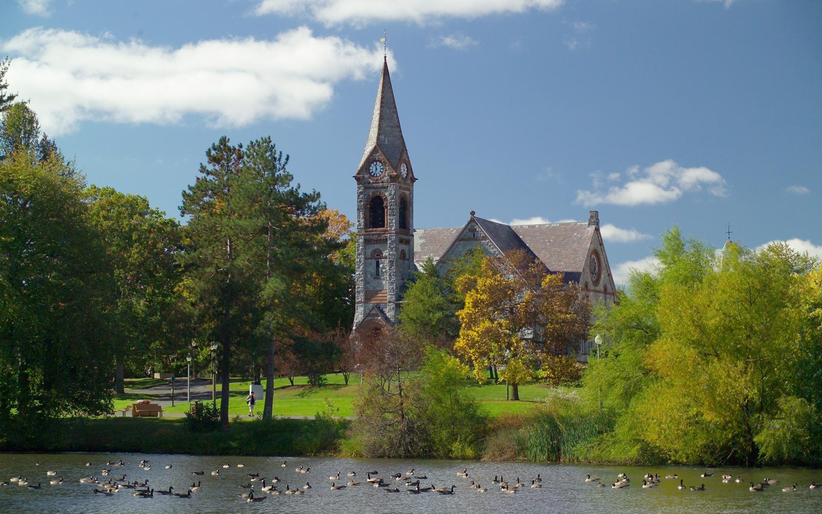 University-of-Massachusetts-Amherst-online-masters-nursing-degree
